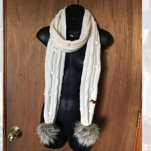 Hollister White Knit Scarf With Fur